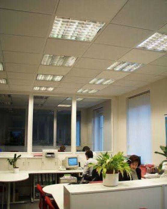 Infrarood bij- of hoofdverwarming voor werkkamer